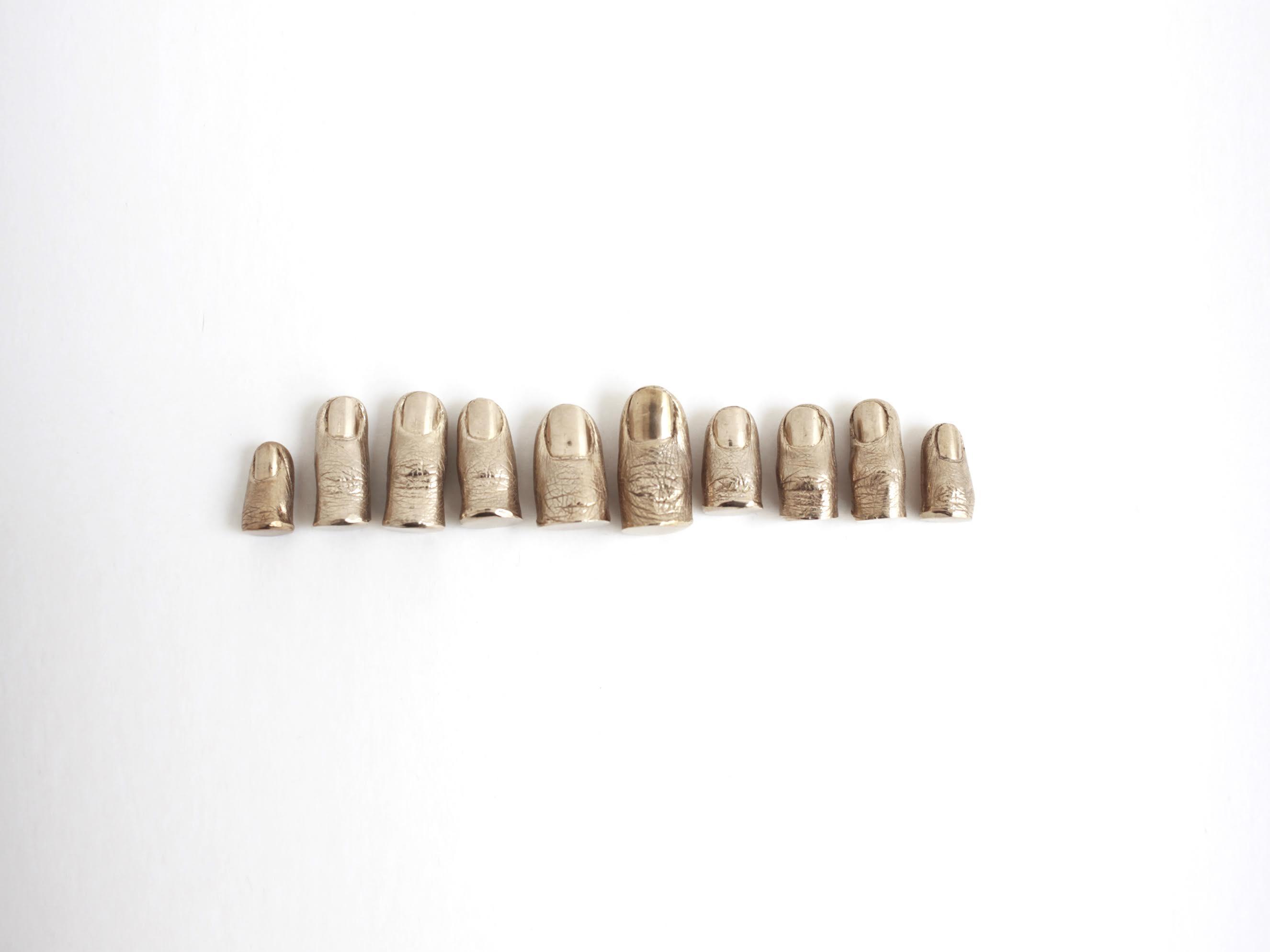Stéphanie Solinas, Sans titre (que faire de ses dix doigts), 2013, bronze ©Stéphanie Solinas